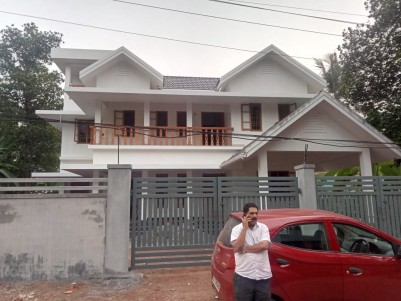 3200 Sq.ft 5 BHK House on 13 Cents of Land for Sale at CH Colony, Kozhikode.