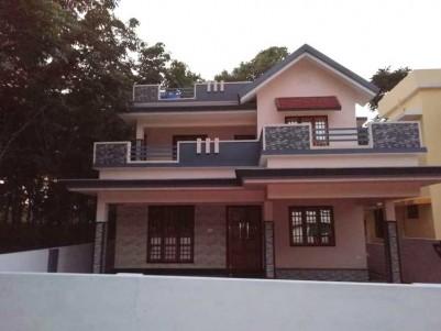1850 SqFt 3BHK House on 6 Cent Land at Pattimattom.
