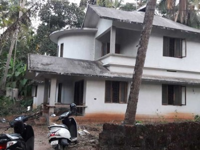 2500 Sq.Ft, 4 BHK House on 12 Cents of Land for Sale at vengery, Calicut