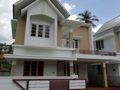 1650 SqFt 3 BHK House on 3 Cents of Land at Kakkanad (Info park)