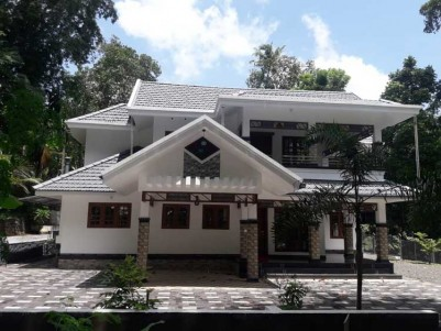 2800 SqFt House on 15 Cents of Land for Sale at Nelliyani, Pala