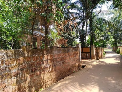 2000 SqFt, 4 BHK House on 14 Cent Land for Sale at Poovattuparamba medical college, Calicut