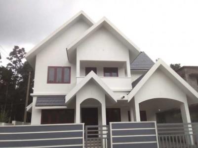 2000 SqFt, 4 BHK House on 5.5 Cent for Sale at Thiruvaniyur, Ernakulam