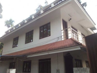 3 BHK House on 3.750 Cent for Sale at Eroor, Vytila, Ernakulam