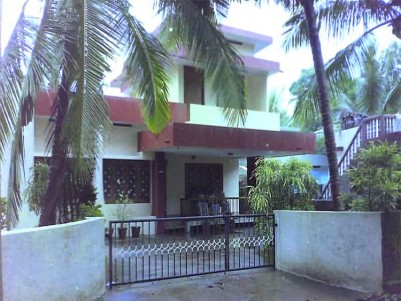 Residential Plot with Old House for Sale at Kannur Town.