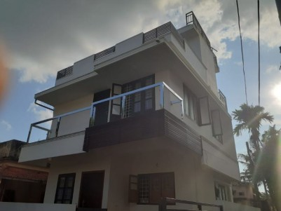 1350SQ.FT 3bhk  house on 2cents of land for sale at Edapally Ernakulam