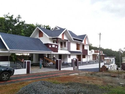 5 BHK, 3300 SqFt House on 10 Cents for Sale at Thodupuzha Town, Idukki