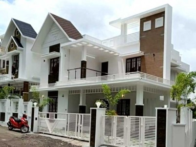 2200 SqFt, 4 BHK House on 5 Cents for Sale at Kalamassery, Near seaport, Airport road