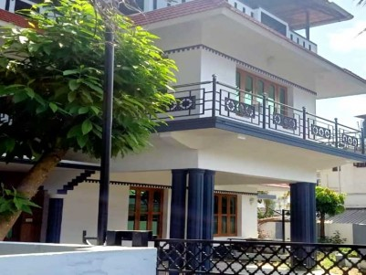 2300 SqFt, 4 BHK House on 7 1/2 Cents for Sale at Kadavanthra, Ernakulam