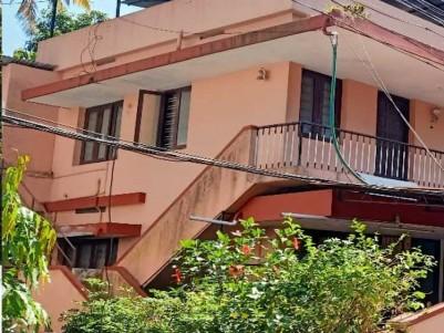 4 BHK, 2000 SqFt House on 6.5 Cent for sale   at Giri Nagar, Ernakulam