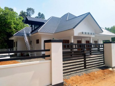 4 BHK, 2000 SqFt Beautiful House in 14 Cents for sale at Kollapally, Kottayam