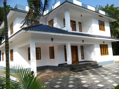 5 BHK, 3400 SqFt Double House in 20.5 Cent for sale at Ponkunnam Town, Kottayam