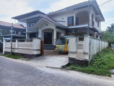 2300 SqFt, 3 BHK House in 6.5 Cents for sale at Kadavanthra - Ernakulam