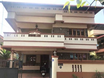 3100 SqFt ,4BHK House in 8 Cents - Thrissur Town Punkunnam Harinagar