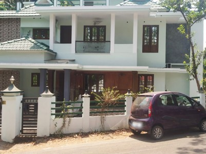 5 BHK, 3150 SqFt House in 7 Cents for sale at Vadavathoor - Kottayam