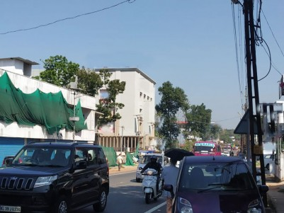 90000 SqFt Commercial building in 18 Cent for sale/Rent at Eattumanoor town, Kottayam