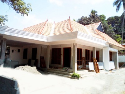 4 BHK House in 10 Cent for sale near Eattumanoor, Kottayam
