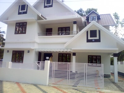 3 BHK + 1 Office Room, 2400 SqFt Villa in 6 Cents for sale near Medical college, Kottayam