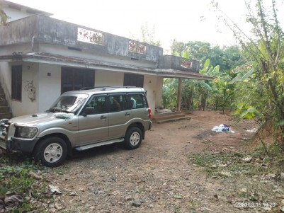 60 Cent Residential Land with 1000 SqFt House for sale at Varantharapilly, Thrissur