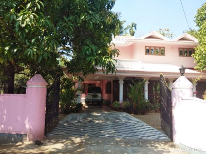 30 Cent Residential land with 2600 SqFt House for sale at Thrissur, Varantharapilly