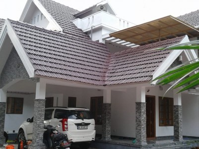 2400 SqFt House in 10 Cents for Sale at Channanikad,Kottayam