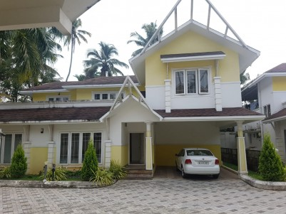 4BHK,3000SqFt Gated Villa for Rent  in Panangad,Ernakulam