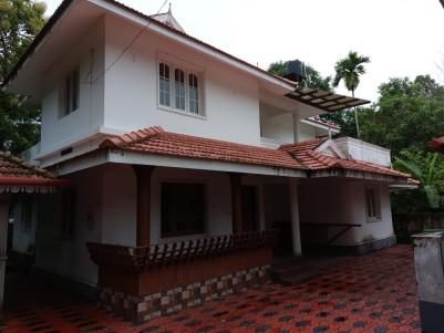 4BHK,2400SqFt House for Sale at Nadakkavu,Tripunithura
