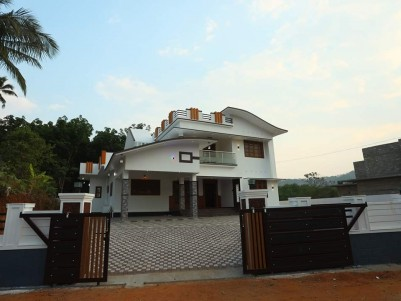 Posh House, 2700SqFtin 18 cents for sale in Muttom,Thodupuzha