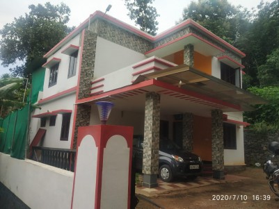 4BHK,2400SqFt House in 7Cents for Sale in Pampady,Kottayam