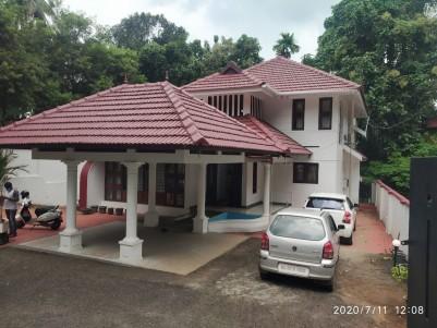 4BHK,3300SqFt House in 14.5Cents near Kottayam club, Kanjikuzhy.