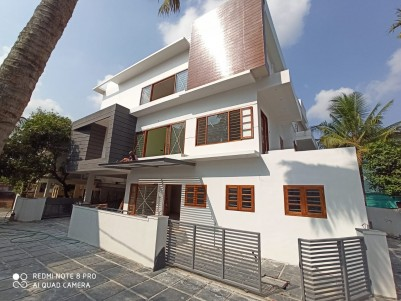 4BHK,4700 SqFt Villa in 5.15 Cents  for Sale in Edapally,Ernakulam