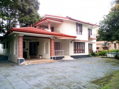 4 BHK,3400 SqFt Independent villa for sale in Kanjikuzhy Town,Kottayam