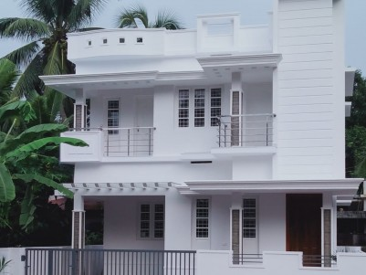 4 BHK 1450 Sq Ft House in 3 Cents for sale at Petta,Ernakulam