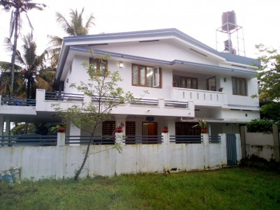 5 BHK 3750SqFt House in 10 Cents for sale at Heart of Kanjikuzhy,Kottayam