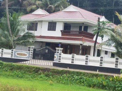 4 BHK 3500 SqFt House in 16 Cents for sale at Cherppunkal,Kottayam