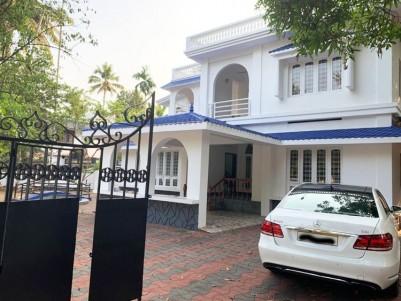 4 BHK 4000 SqFt House in 21 Cent for sale at Kumaranalloor Kottayam