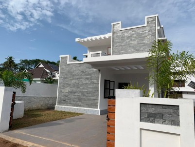 4 BHK 2400 SqFt House in 6 Cent for sale at Kottayam
