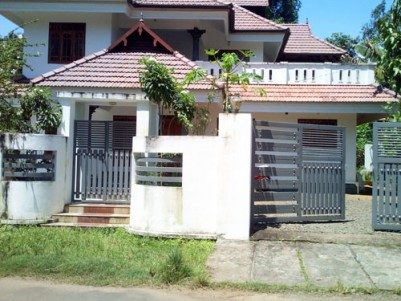 4 BHK 2500 sqft House in 10 Cent for sale at Kudamaloor Kottayam