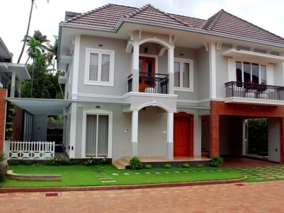 Luxury 4 BHK  Gated Villa for sale near Panangad backwaters