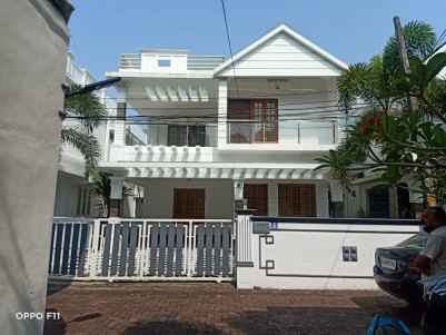 5 BHK 2600 sqft Gated villa in 5.25 Cents for sale at Vennala Ernakulam