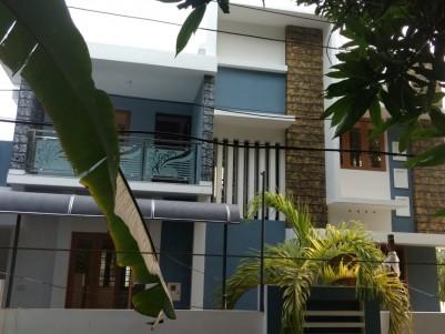 3 BHK 1700 SqFt House in 4 Cent for sale at Thiruvankulam jn, Ernakulam