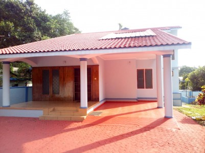 10 Cent with 2400 SqFt 4 BHK House for sale Kanjikuzhy, Kottayam