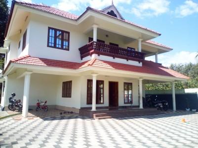 10.5 Cent with 3200 SqFt, 5 BHK House for sale near Illivalavu, Manarkadu, Kottayam