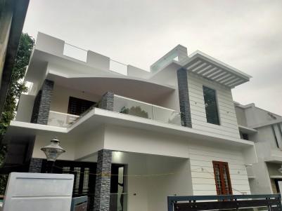 4 BHK Independent Villa for sale Near CSEZ, Ernakulam