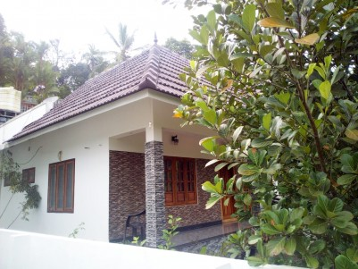 3 BHK 1550 SqFt House in 11 Cents for sale near Lions club Mundupalam, Pala, Kottayam