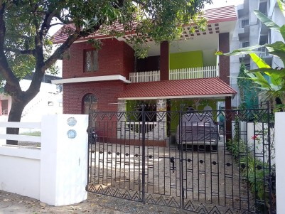 11 Cents of Residential land With Old House for sale at SRM Road, Kaloor, Ernakulam