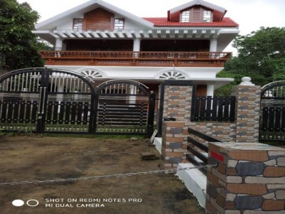 4 BHK 2000 sqft House in 8 1/2 Cents for sale at Manakkad, Thodupuzha, Idukki