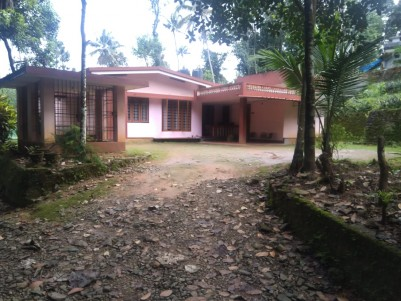 5 BHK Single Storied House for sale at Koothattukulam, Ernakulam