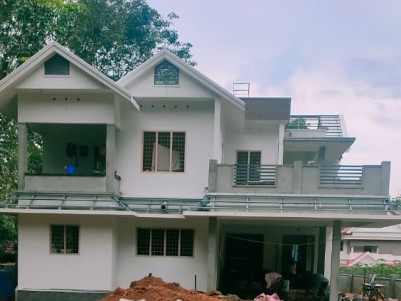 4 BHK 2600 sqft House in 32 Cents for sale at Edappady, Pala