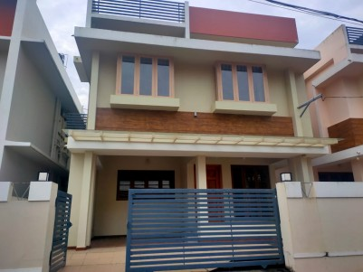 Semifurnished 4 BHK 1950 SqFt House in 4 Cents for sale at Thuthiyoor, Ernakulam